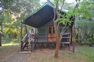 De tent bungalow midden in de jungle…