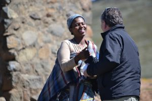 Kennismaking met een Lesotho dame op 2700m hoogte.