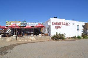 Een 'gewoon' café in het land of nowhere……Wereldberoemd!
