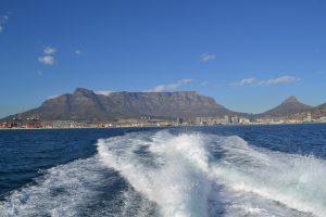 Vertrek naar Robbeneiland met zicht op de Tafelberg